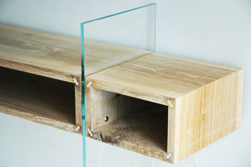 Floating oak Console
