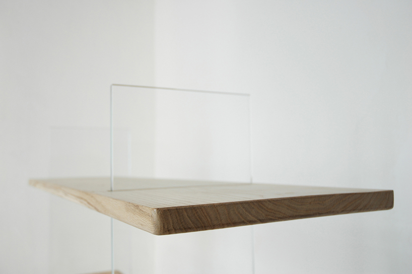 """Floating Oak Low Bookshelf. Vetro edition"""